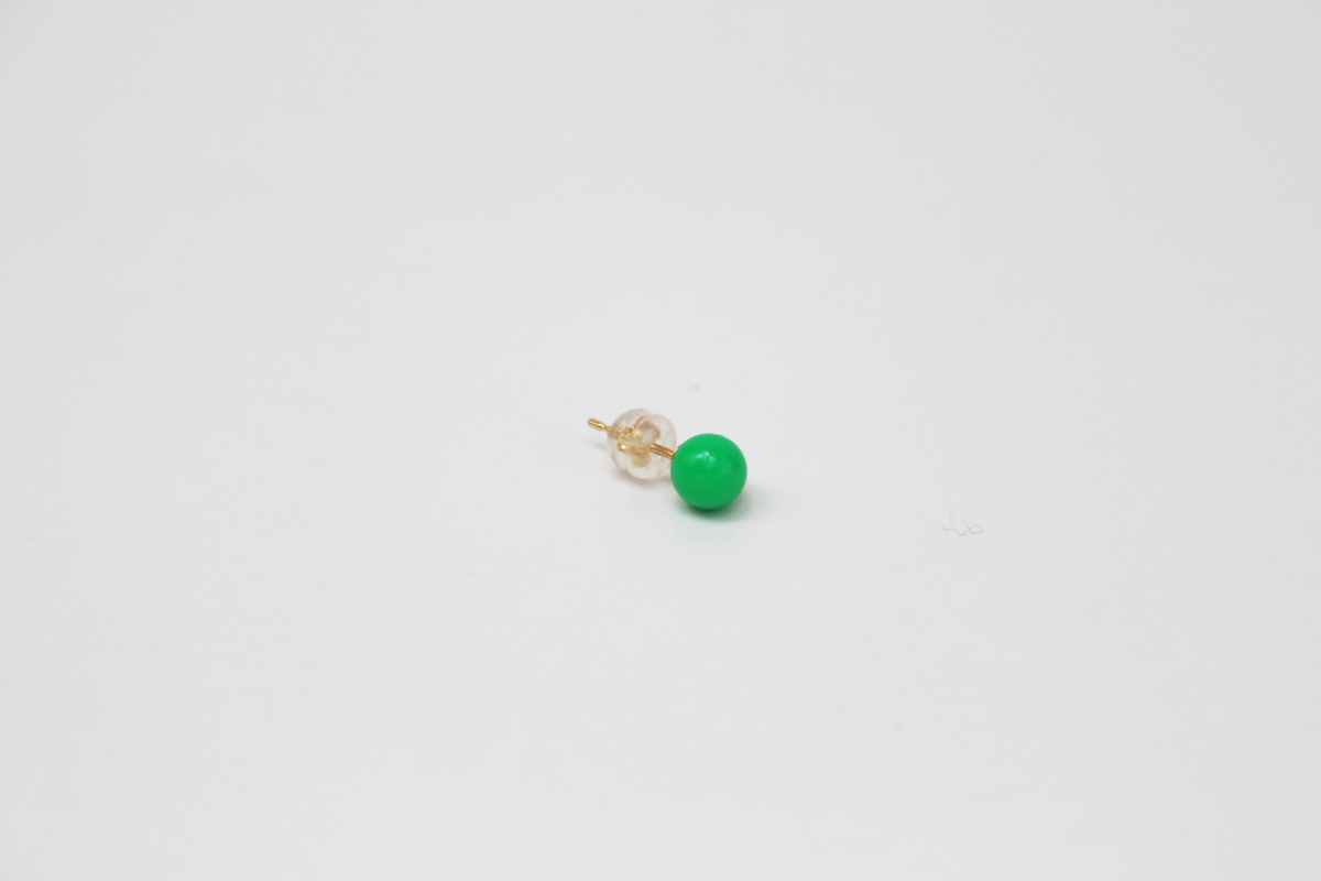 deneb_ball_bullet_pierced_earring_green_2
