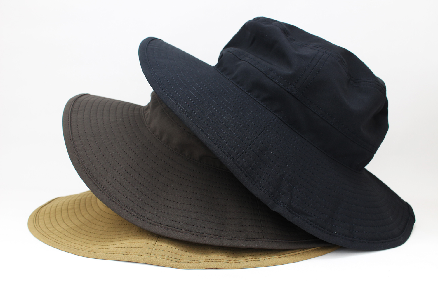COMESANDGOES_WATER-REPELLENT-HAT-A_image
