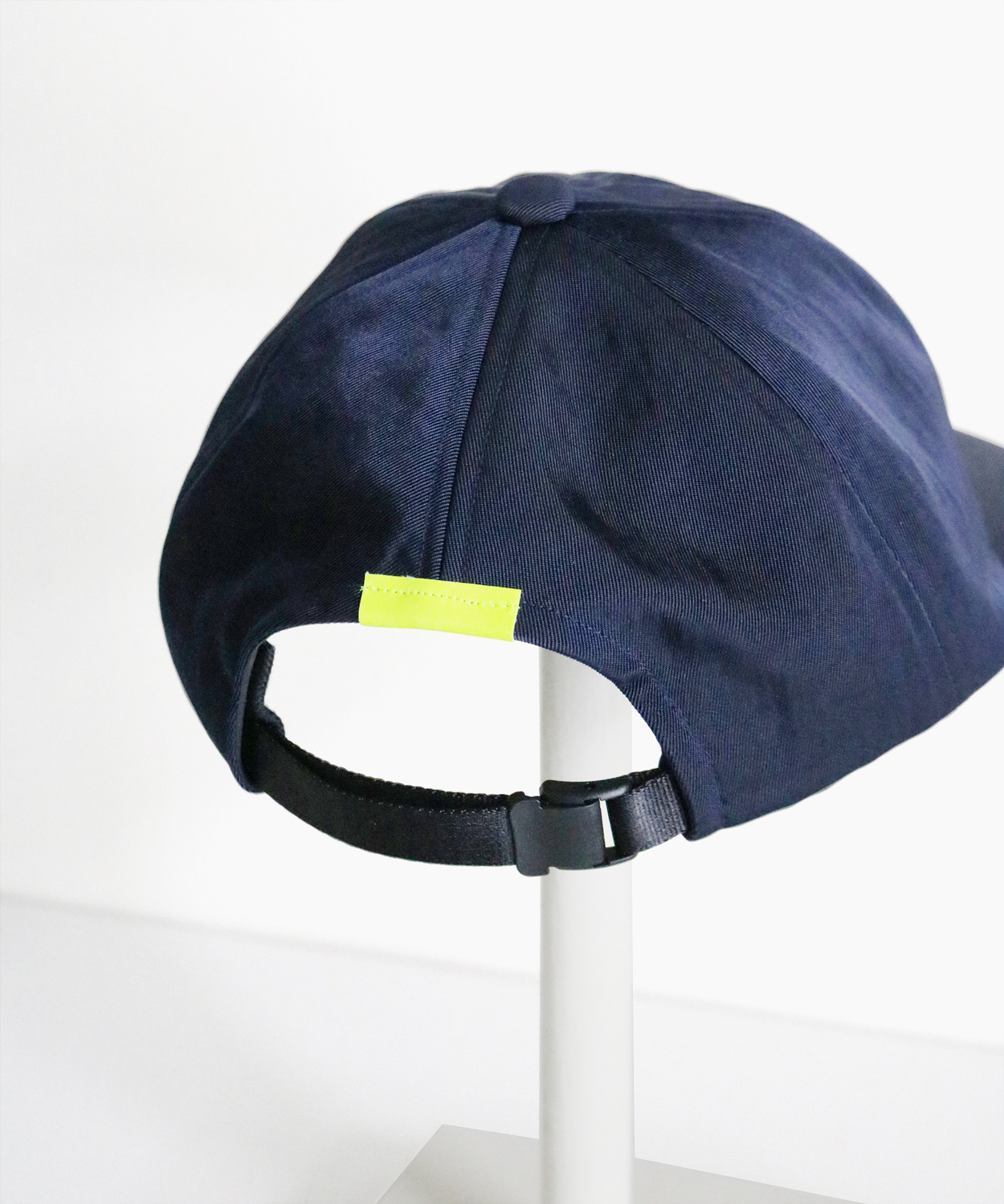 COMEANDGOES_for-tpr_LONG-BRIM-CAP_Navy_10800_2
